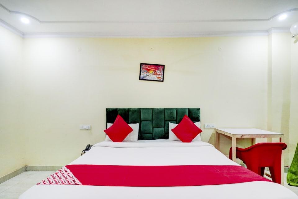 OYO 75810 Ronak Hotel, Greater Noida, Noida