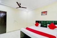 OYO 75810 Ronak Hotel