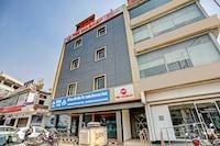 OYO TOWNHOUSE 390 The Madhav Sector 58 Noida