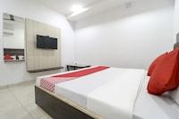 OYO 75857 Hotel Punjab Eleven