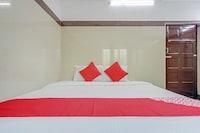 OYO 75862 Ammayi Hotel - Temple Opposite