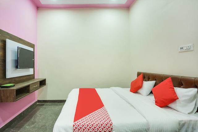 OYO 75886 Hotel Relation