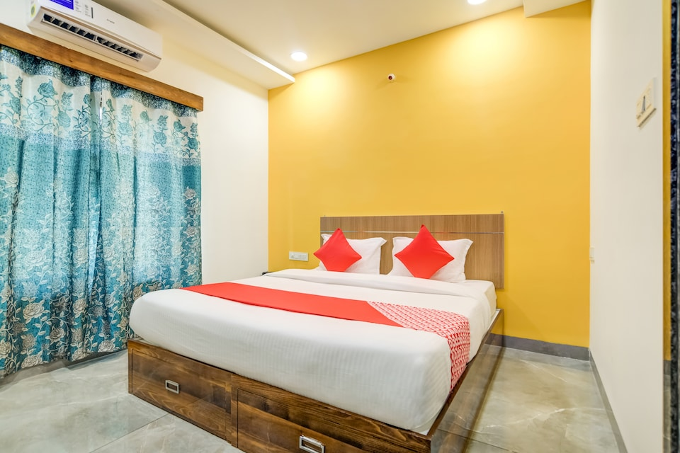 OYO 75900 The Rudraksh Inn 2