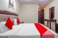 OYO 75986 Hotel Grandeur