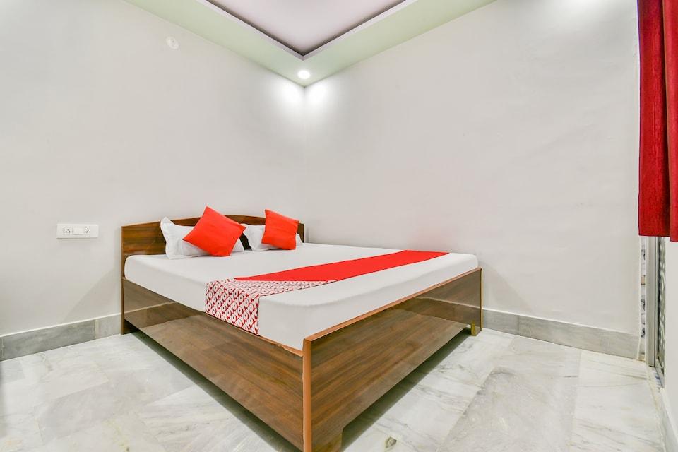 OYO Flagship 76016 Narayan Guest House, Bailey Road, Patna