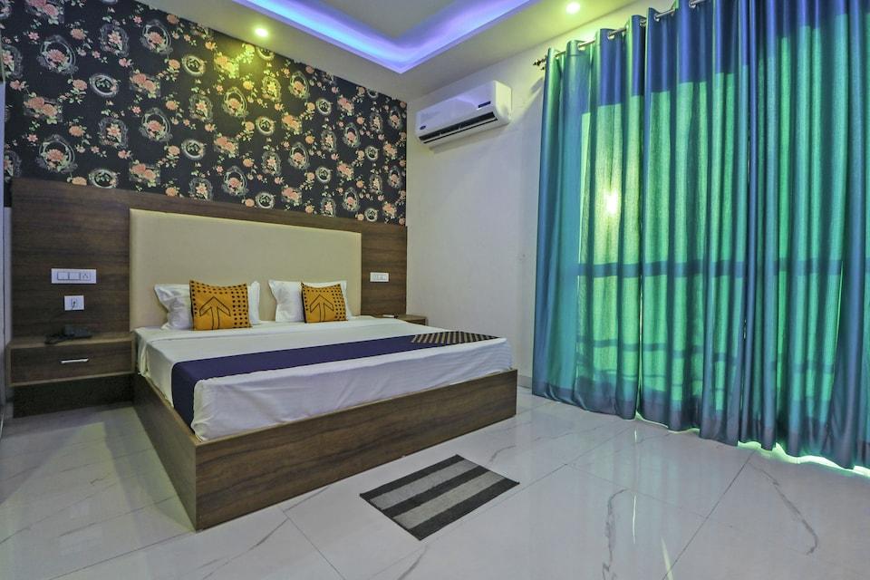 SPOT ON 76019 Hotel White Rose, Zirakpur, Zirakpur
