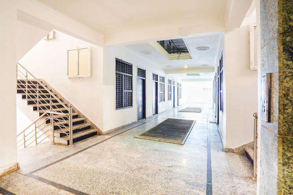 OYO Flagship 46230 Hotel Ratiram Palace