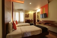 CAPITAL O76033 Hotel Mukund Palace