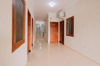 OYO 90045 Annafi Apartel