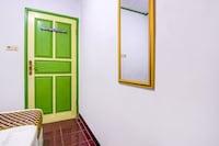 SPOT ON 90046 Villa Anyelir Yustik Selabintana