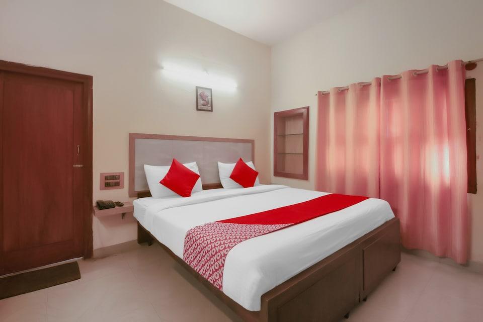 OYO Flagship 32997 Hotel Kaveri Bed & Breakfast