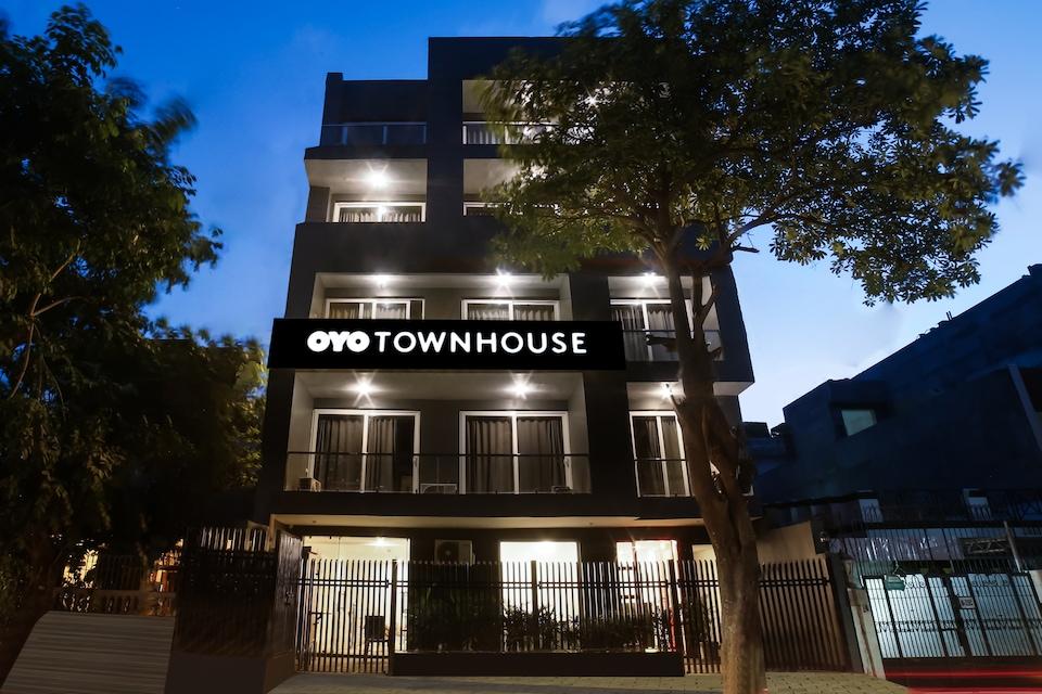 OYO Townhouse 141 Sector 14 Old Gurgaon, Old Gurgaon, Gurgaon