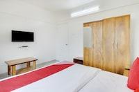 OYO 76128 Hotel Star Inn