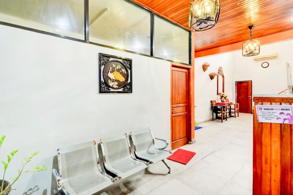OYO 90048 Teratai Bekasi Guesthouse