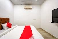 OYO 76146 Hotel Royal Villa