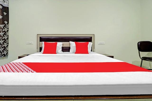 OYO 76181 Hotel Raj Residency