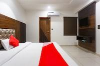 OYO 76202 Aditya Guest House