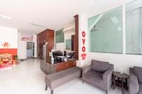 OYO 75360 Walk In Hotel