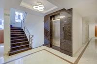 CAPITAL O76208 Kensington Suites