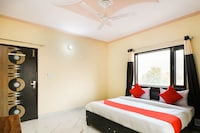 OYO 76230 Akash Guest House