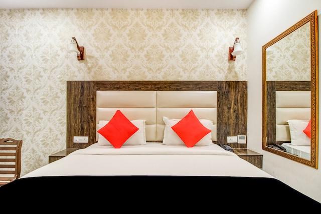 CAPITAL O76233 Hotel Avaana