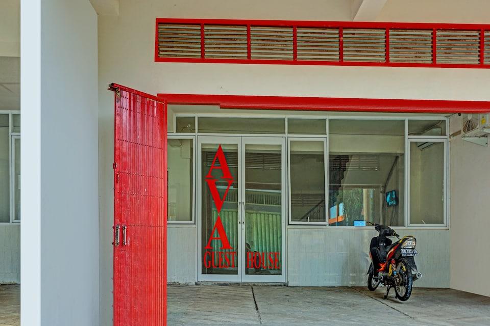 OYO 90062 Ava Guesthouse, Losari, Makassar