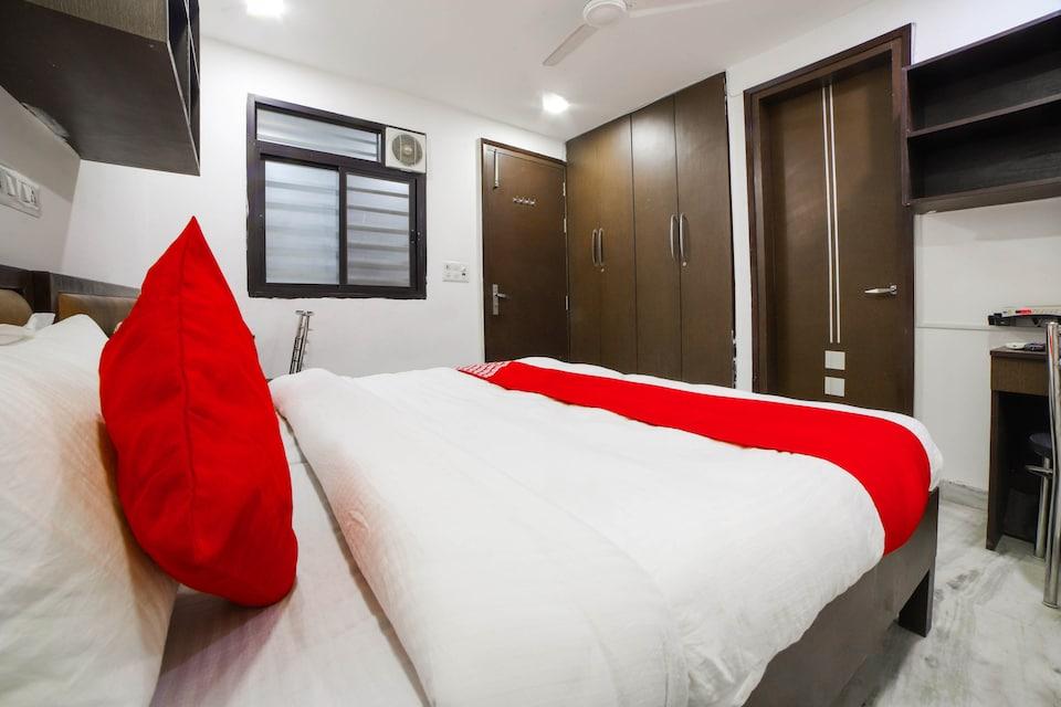 OYO 76282 Hotel Seven S