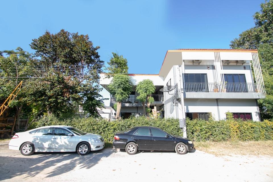 OYO 75364 River Kwai Road Residences
