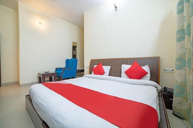 OYO Flagship 76324 Hotel Queens Pearl Inn & Restaurant