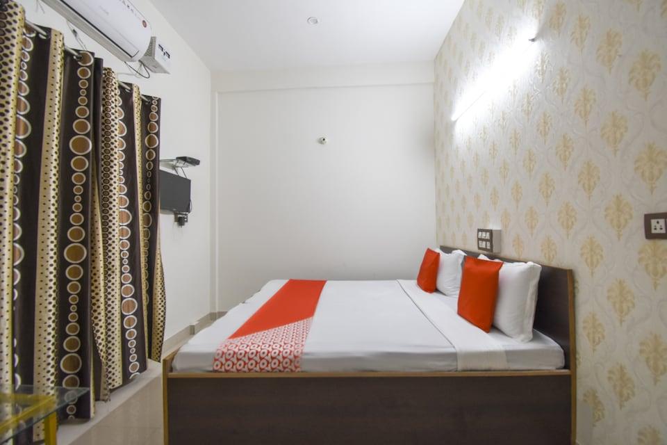 OYO 76334 Eight Cubes, Pakhowal Road Ludhiana, Ludhiana