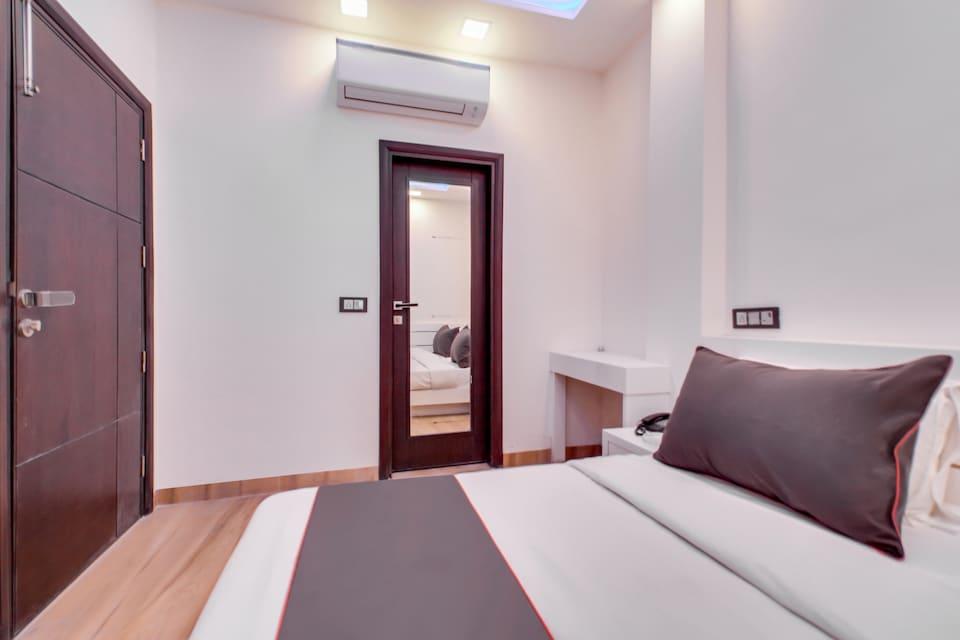 Collection O 76379 Hotel Baba's Inn