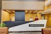 TownHouse OAK Kzar Corporate Hotel
