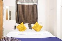 SPOT ON 76400 Golden Villa Homes