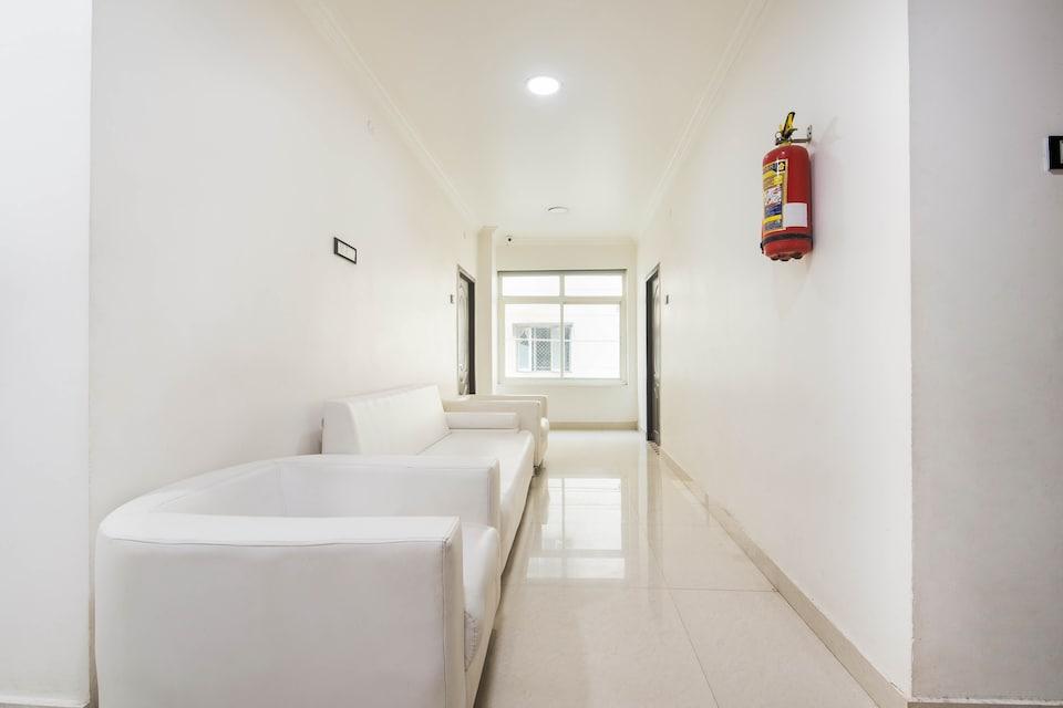 Capital O 76441 Hotel Aditya Grand, Guntur, Guntur