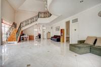 OYO 90080 Villa Lotus E06 Syariah