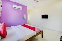 OYO 76459 New Bharat Palace