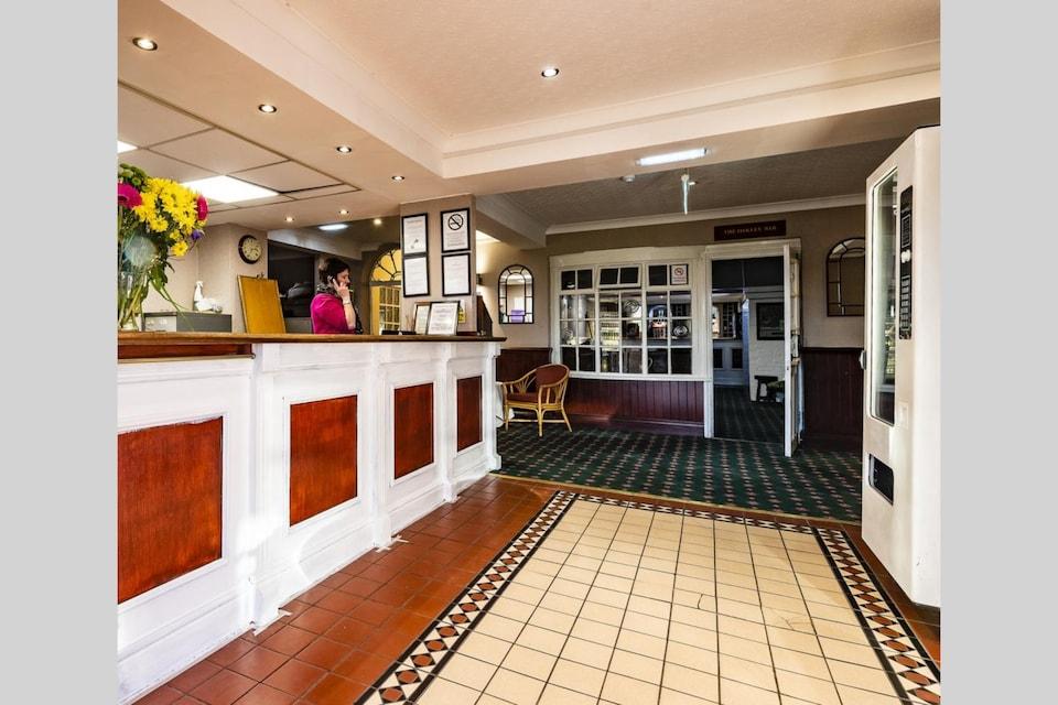 OYO Paddington House Hotel