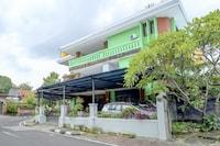 OYO 90089 Hotel Satria Syariah