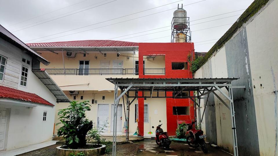 OYO 90090 Adhyaksa Syariah Guest House, Panakukkang, Makassar