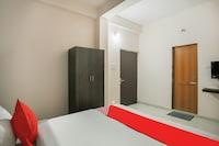 OYO Flagship 76560 Hotel Vanss