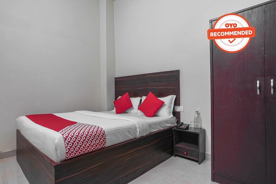 OYO 76562 Hotel Royal Pavilion