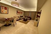 OYO 603 Home Taj Grandeur 2br