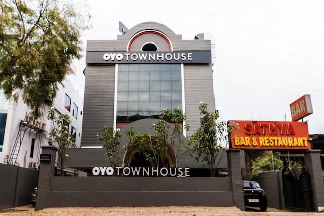 OYO Townhouse 155 Hotel Satya