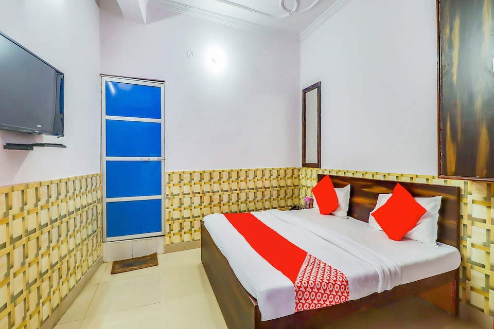 OYO 76591 Hotel Dolphin, Charbagh Lucknow, Lucknow