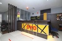 OYO 90136 Jumbo Inn