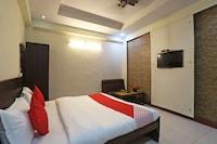 OYO Flagship 76697 Hotel Park Awadh