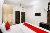OYO 76727 Galaxy Inn