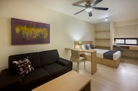 Collection O 3 Diez Living Suites
