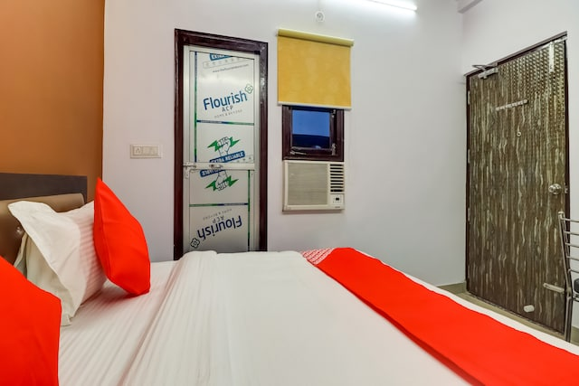 OYO 76775 Hotel RK Grand