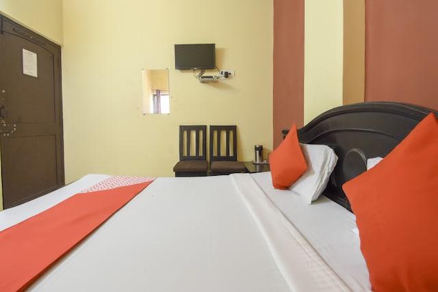 OYO 76814 Hotel Ambar Palace